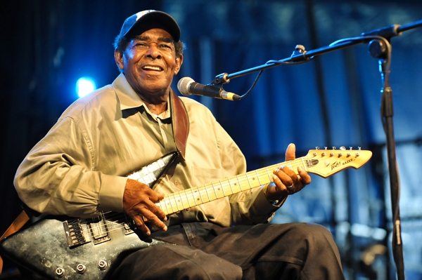 Blues Player T-Model Ford Proving That It's Never Too Late To Take Up Guitar. Taking Up Guitar At Age 58 And Recording 7 Albums Before His Death At Age 93!!!